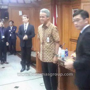 Investor Singapura Dengan Gubernur Jawa Tengah, Bp. Ganjar Pranowo P1